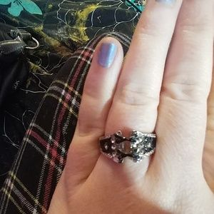 Jewelry - Size 8 silver & black corset ring